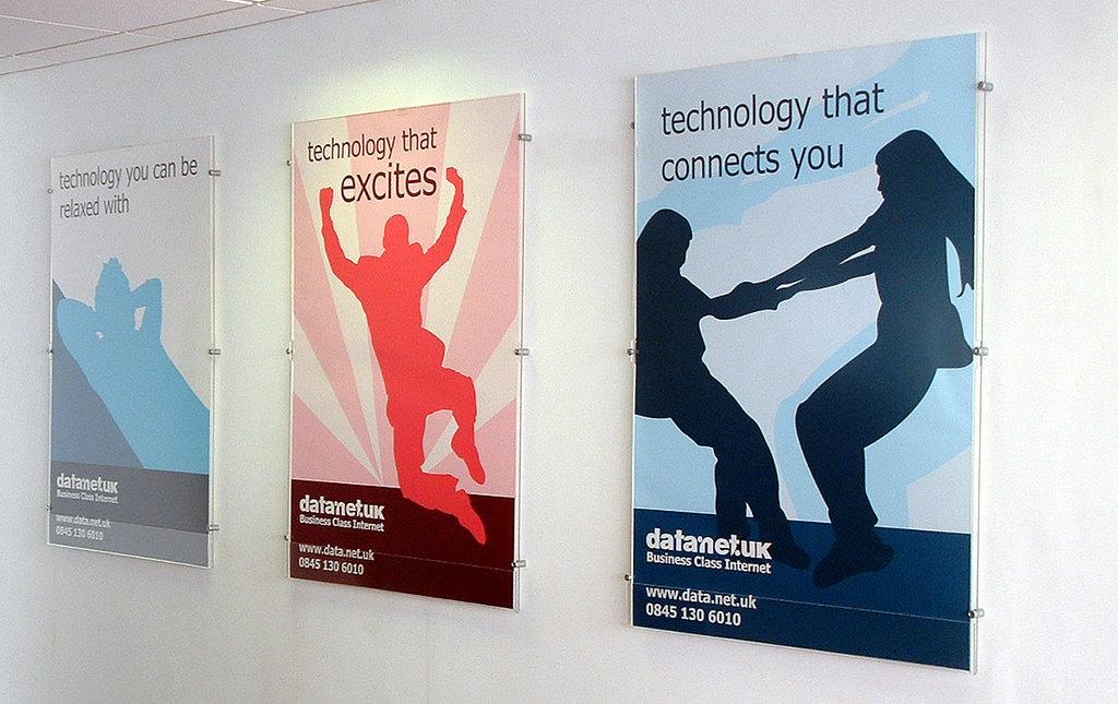 плакаты на стену в офис диагоналям зеркальной