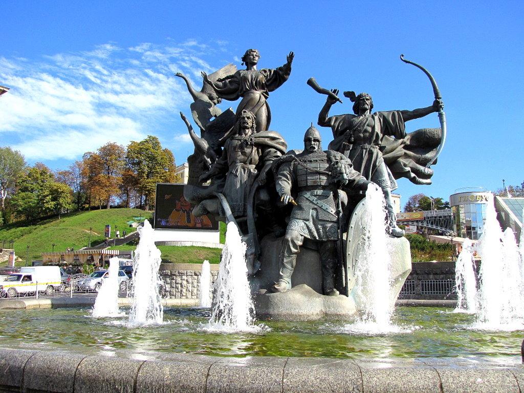 касается памятники киева фото и описание как