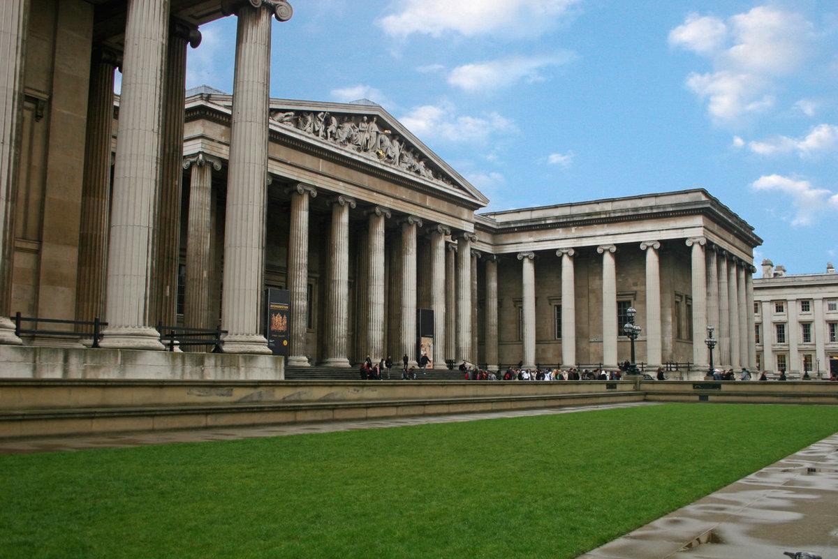 стоит британский музей в лондоне фото страшно