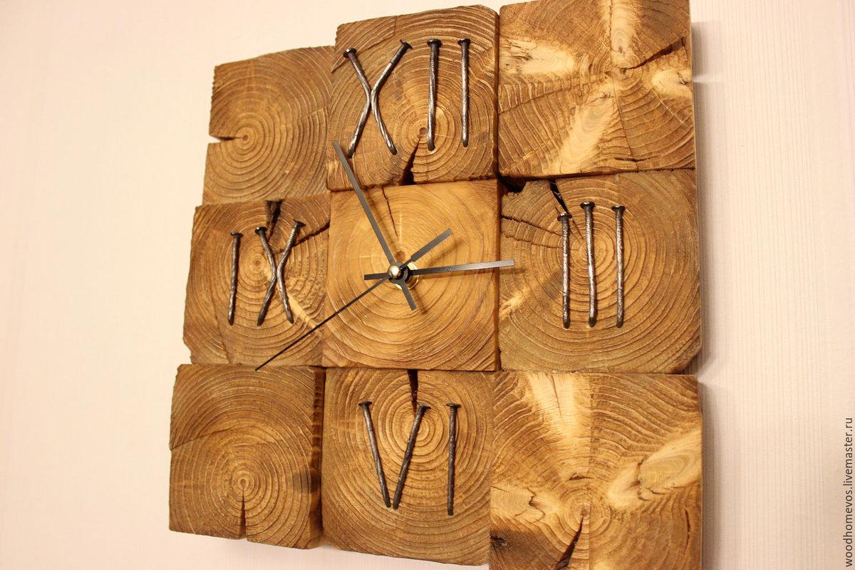Купить интерьерные часы резные из дерева по доступным ценам.