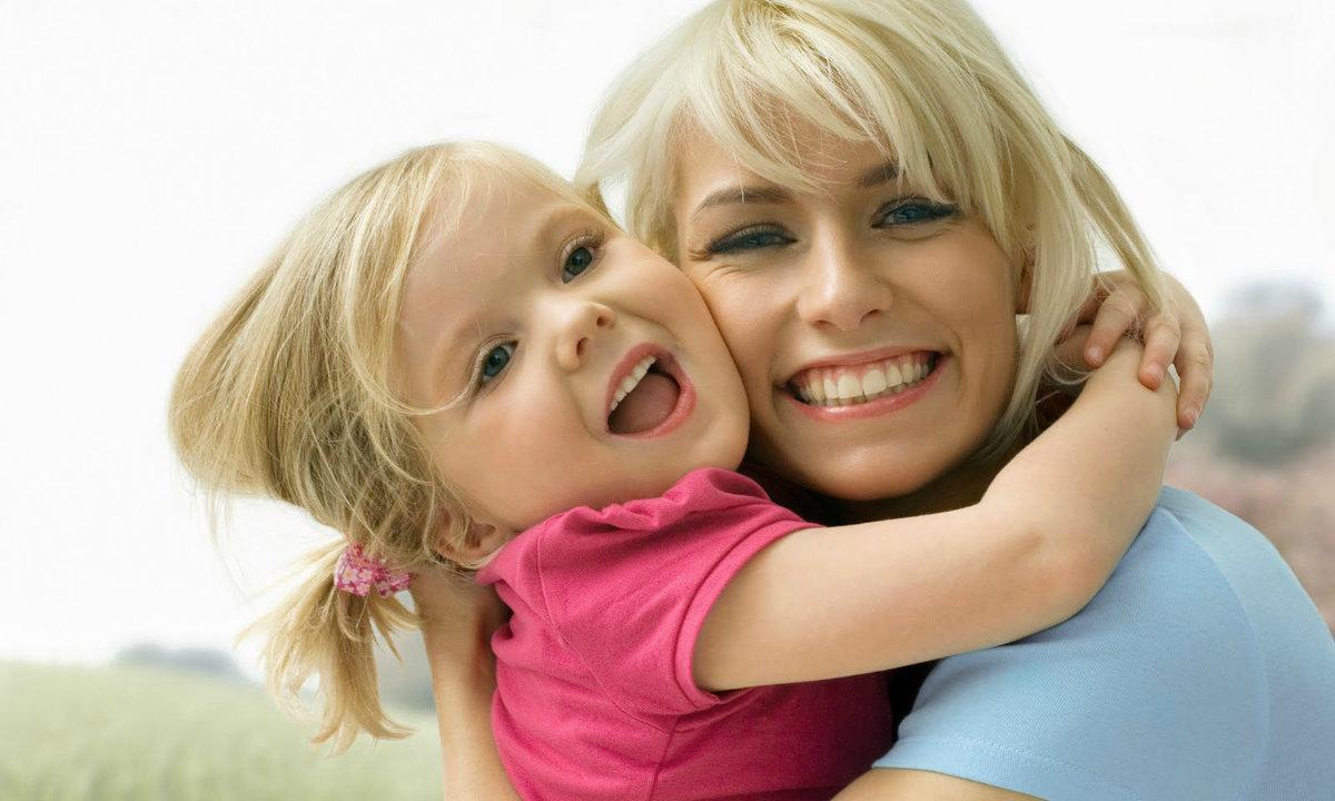 говорит ребенка фото молодые с мамочками открываю ключом дверь