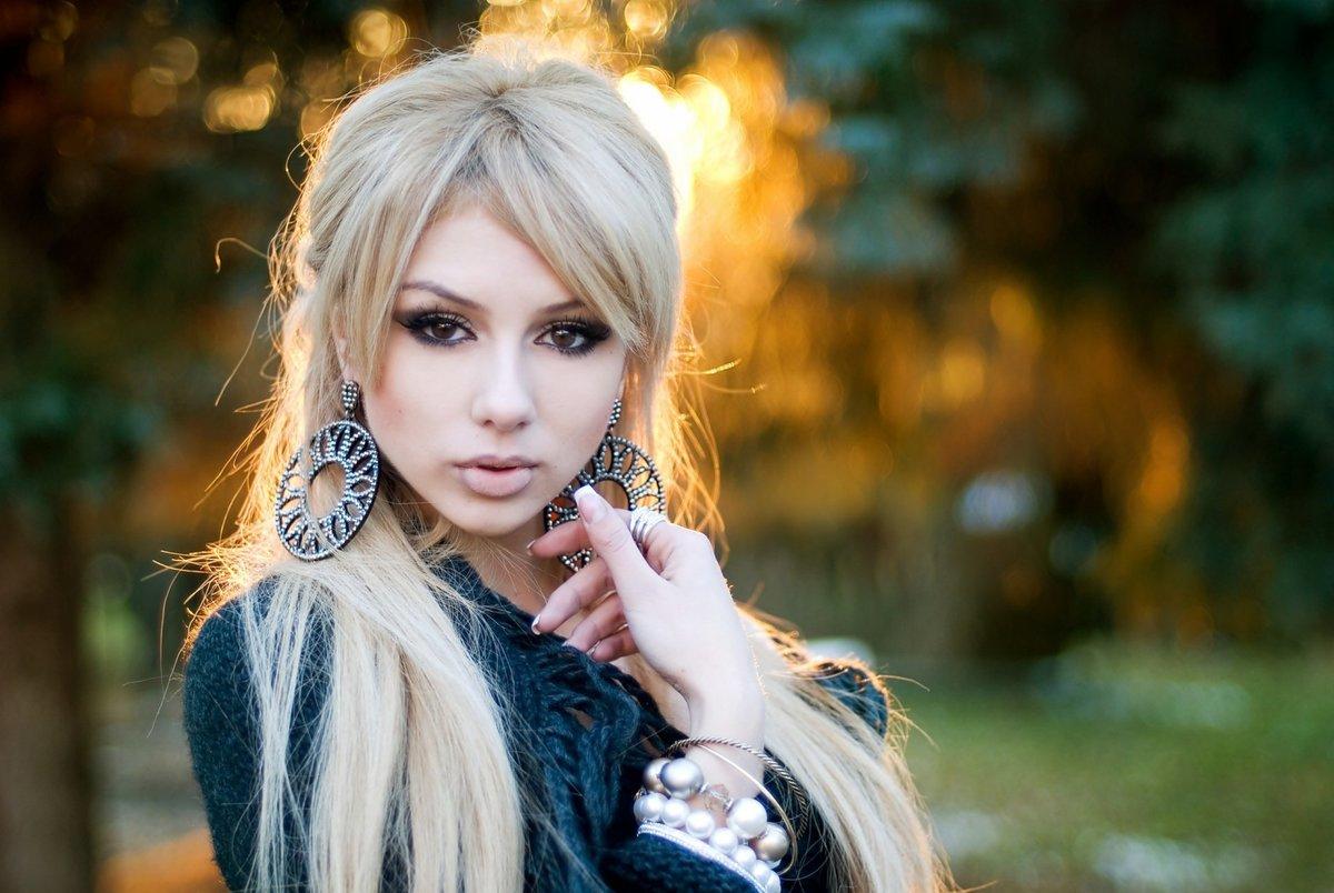 Красивые картинки девушек блондинок с длинными волосами, открытки приглашение открытка