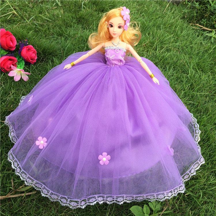 Стихами, картинки красивых кукол в пышных платьях
