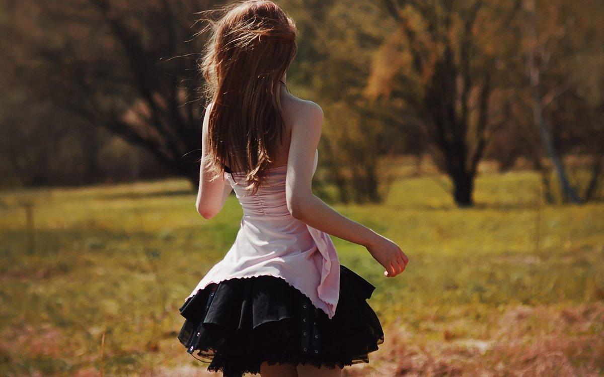Девчонки со спины