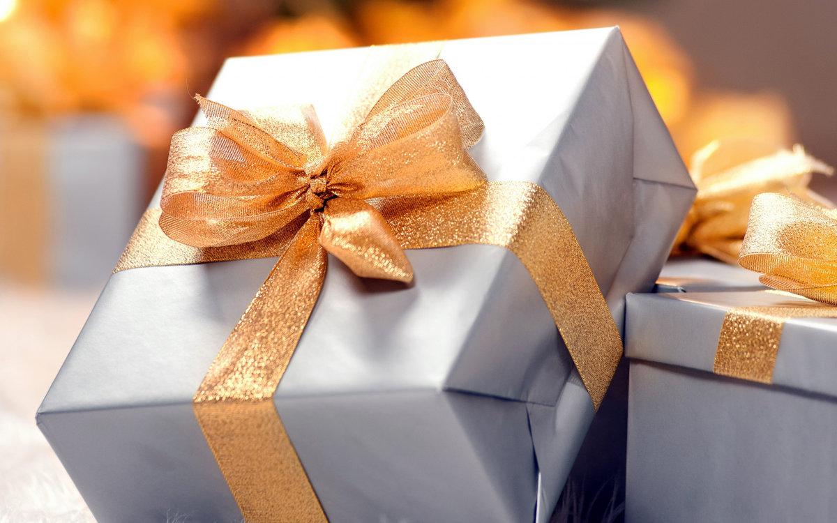картинки приятные подарки молодых девушках