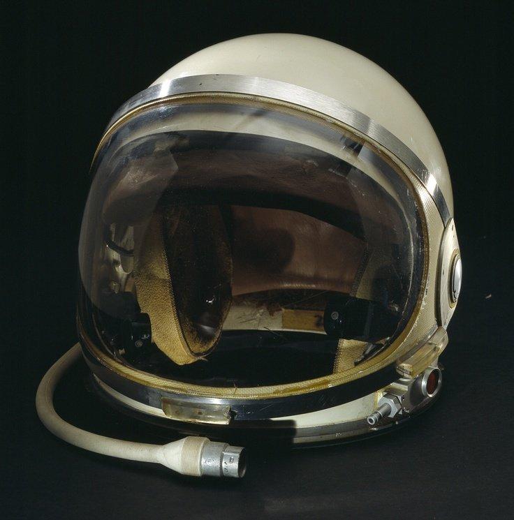 Картинки космонавта шлем скатерти всегда