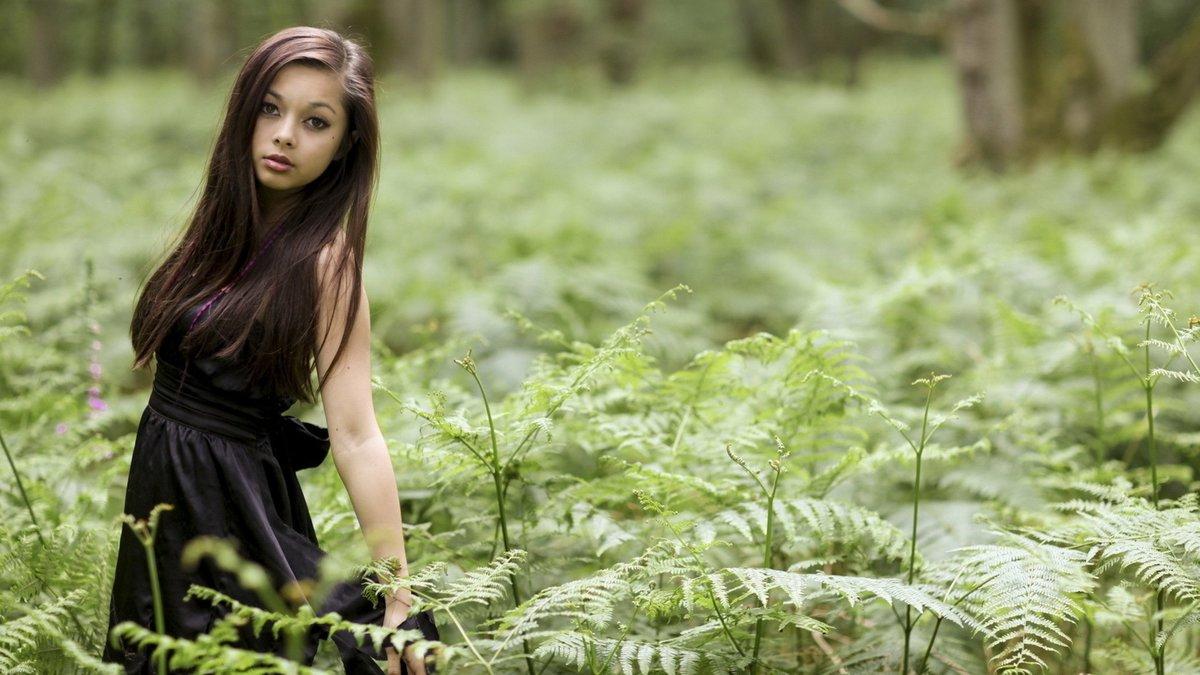 Смотреть картинки девушки на природе