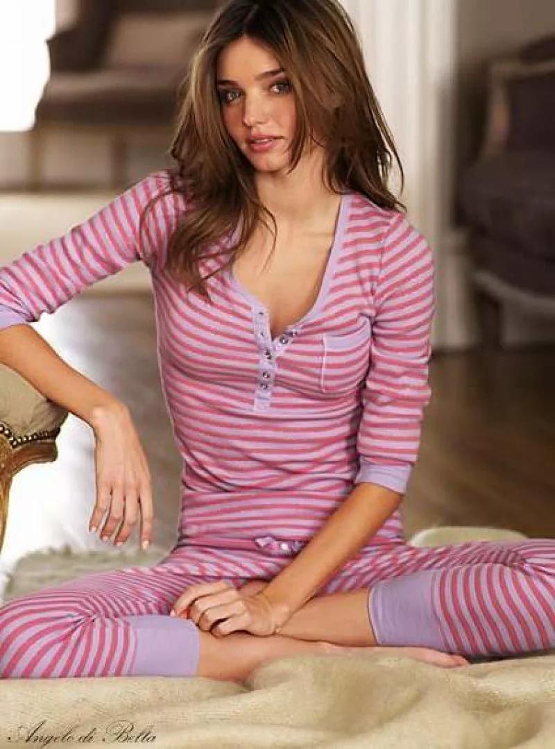 девушки в сексуальных пижамах картинки маньяков