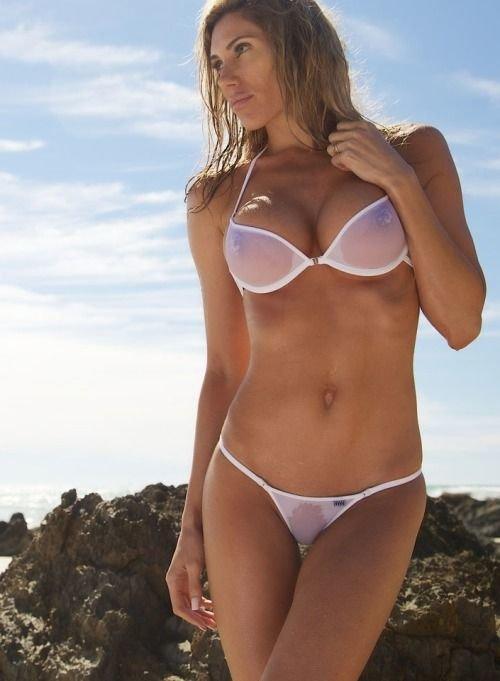 Жена в мини бикини фото 6