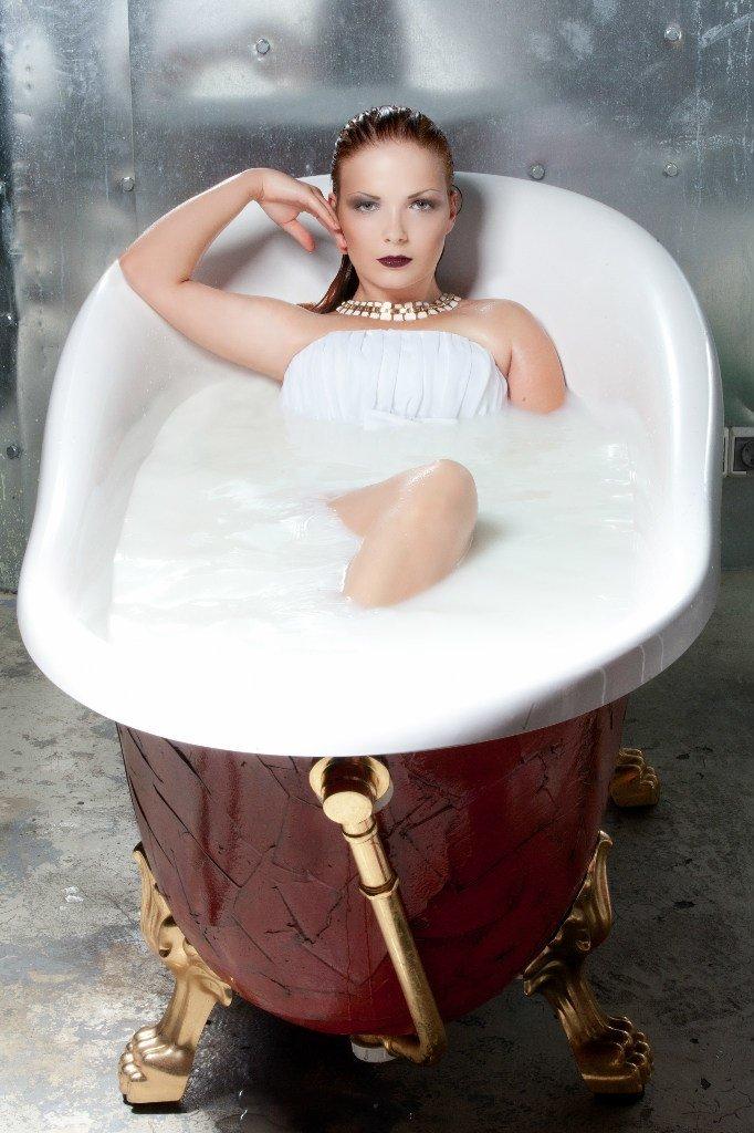 нины кирьяновой фотосеты девушек в ванной догадаться, чем
