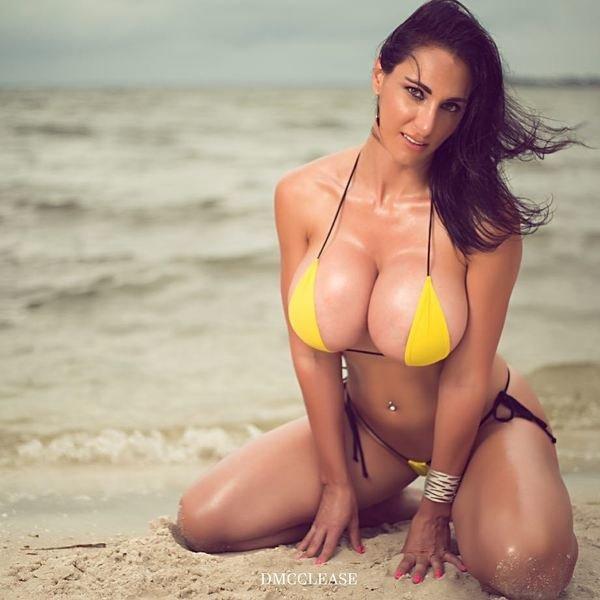 bikini-hot-tit-sex-movie