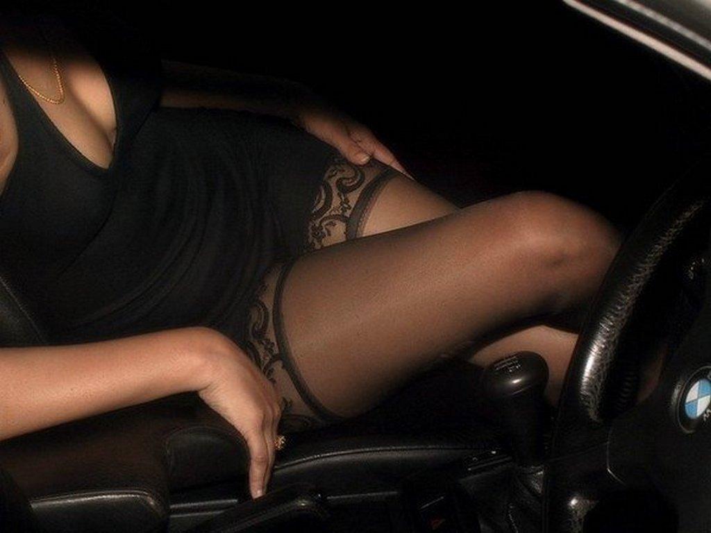 Фото голых девушек в машине частное