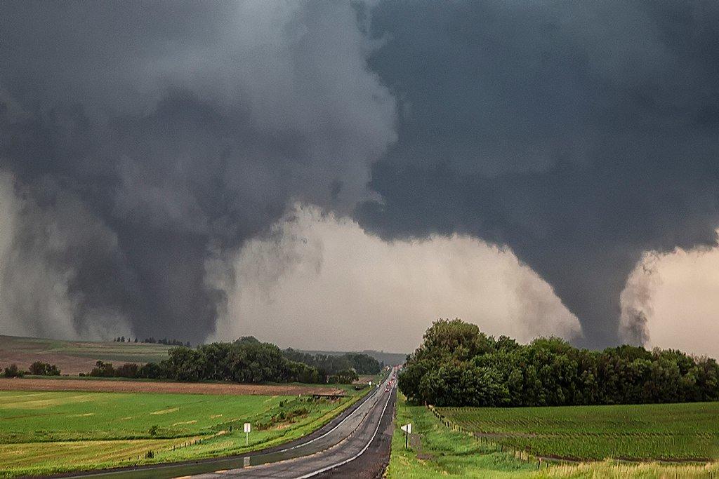 Страшные картинки ураган