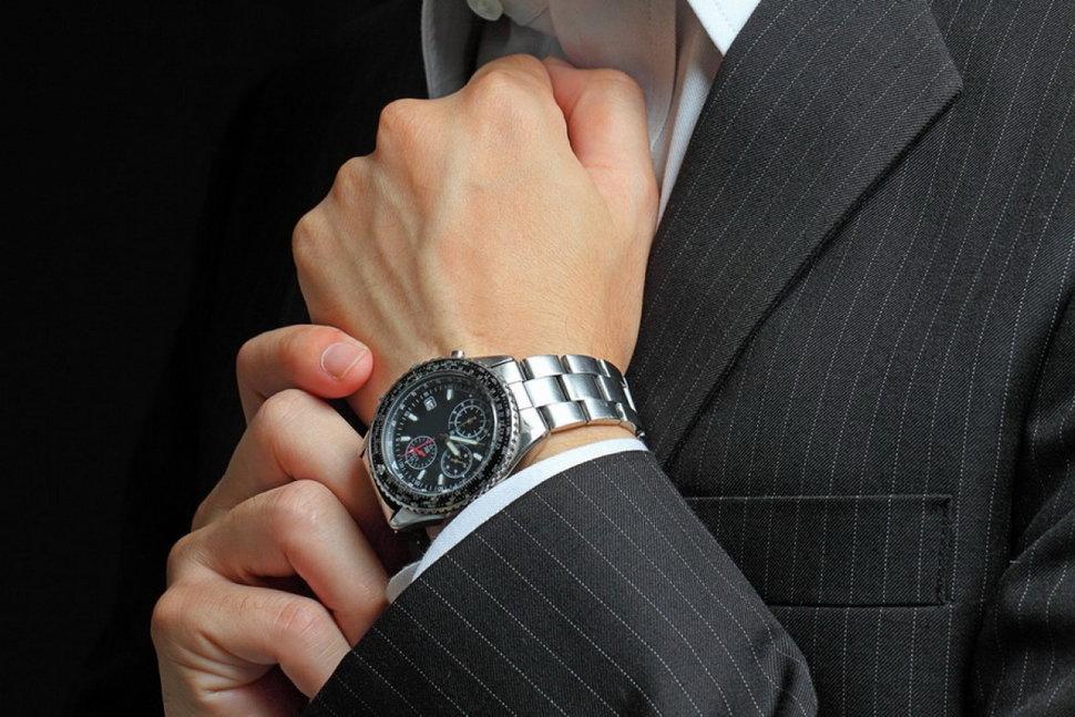 Как правильно носить часы на руке