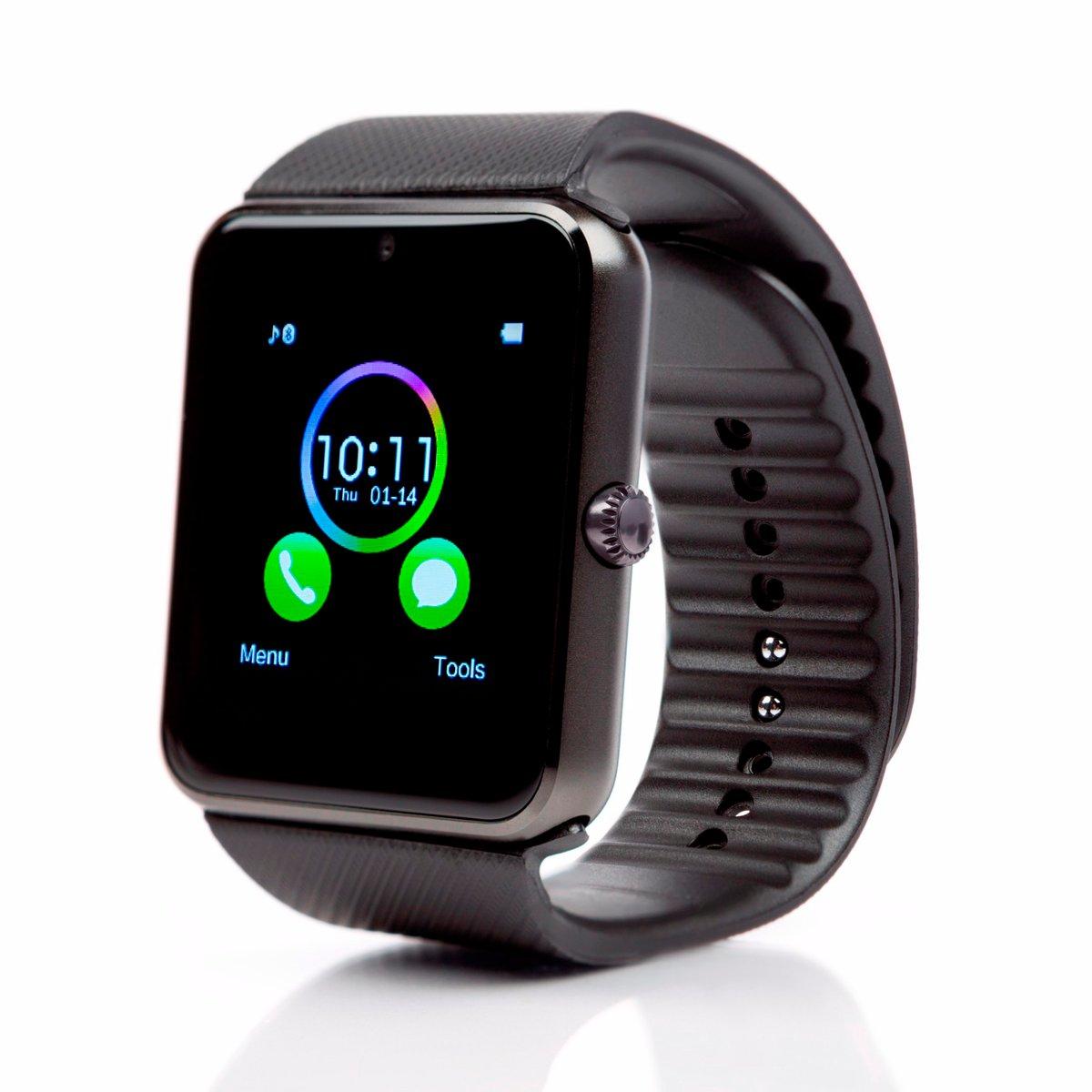 Часы функционируют на видоизмененном андроид, версия которого нигде не объявляется.