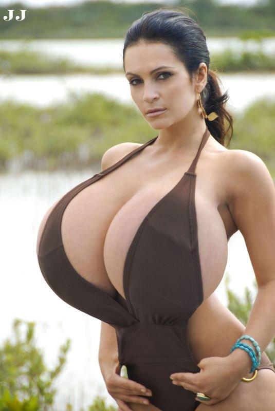 Женщины с большими дойками голые #12
