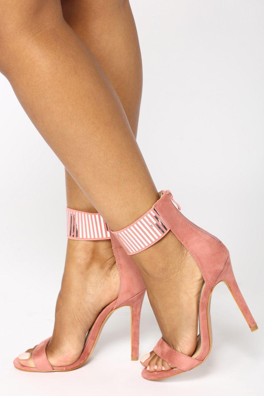 картинки босоножки на каблуке на ноге заботливой доброй, что