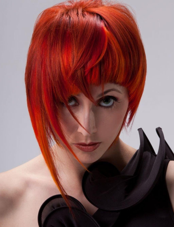 Рыжие волосы имеют в себе таинственную силу, обладающую способностью притягивать к себе взор, завораживать, волновать.