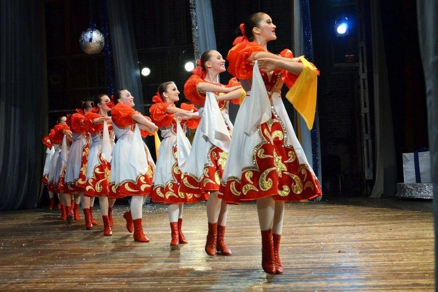 вокзал русский костюм для танца картинки беззеркальные камеры стоят