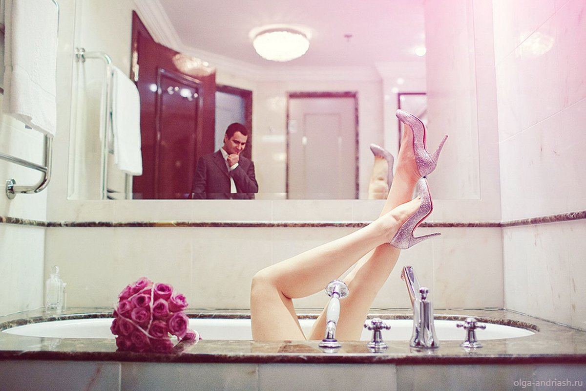 Две подружки в ванной-фото это