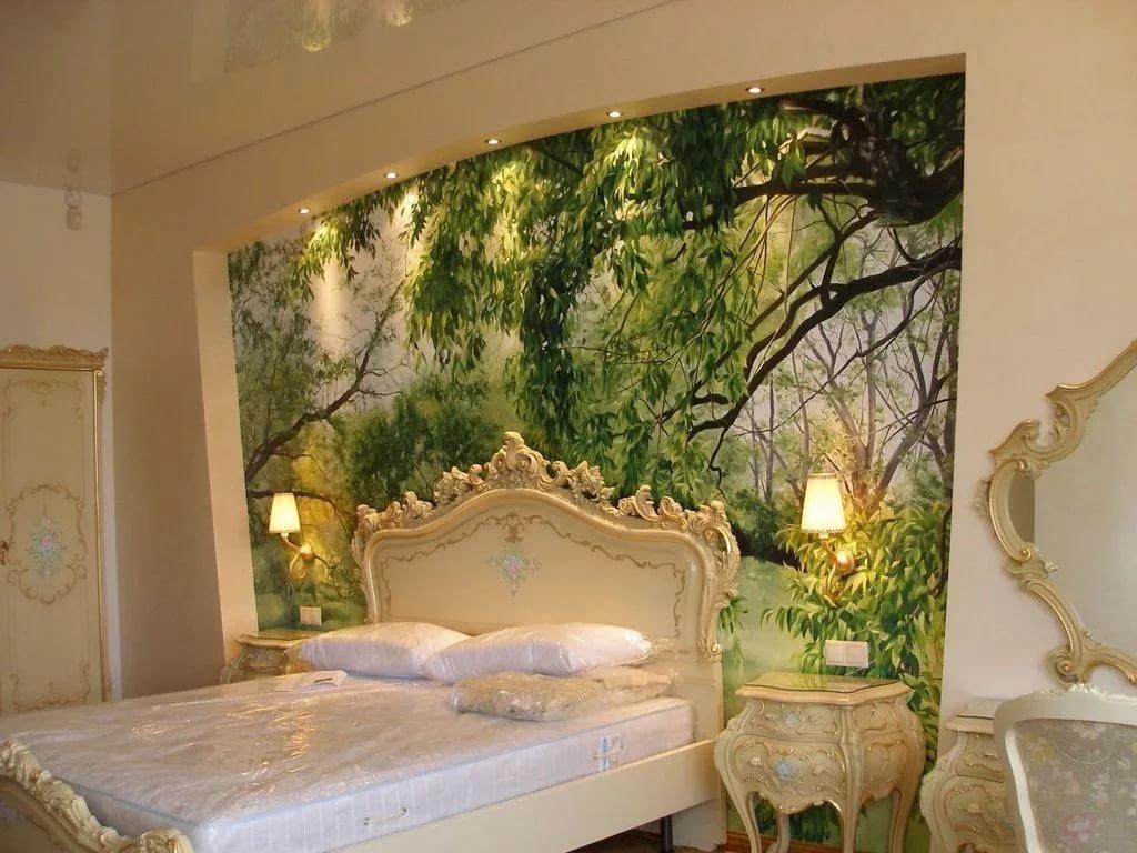 Фрески над кроватью в спальне фото