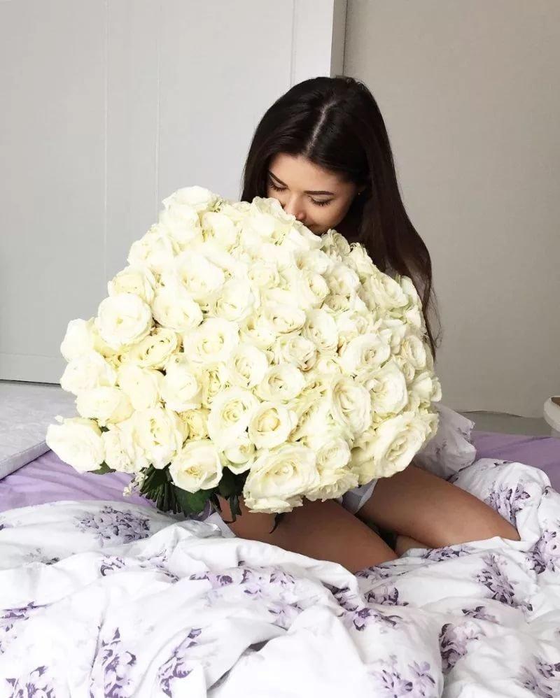 Девушка с большим букетом роз картинки, заказ цветов цветы