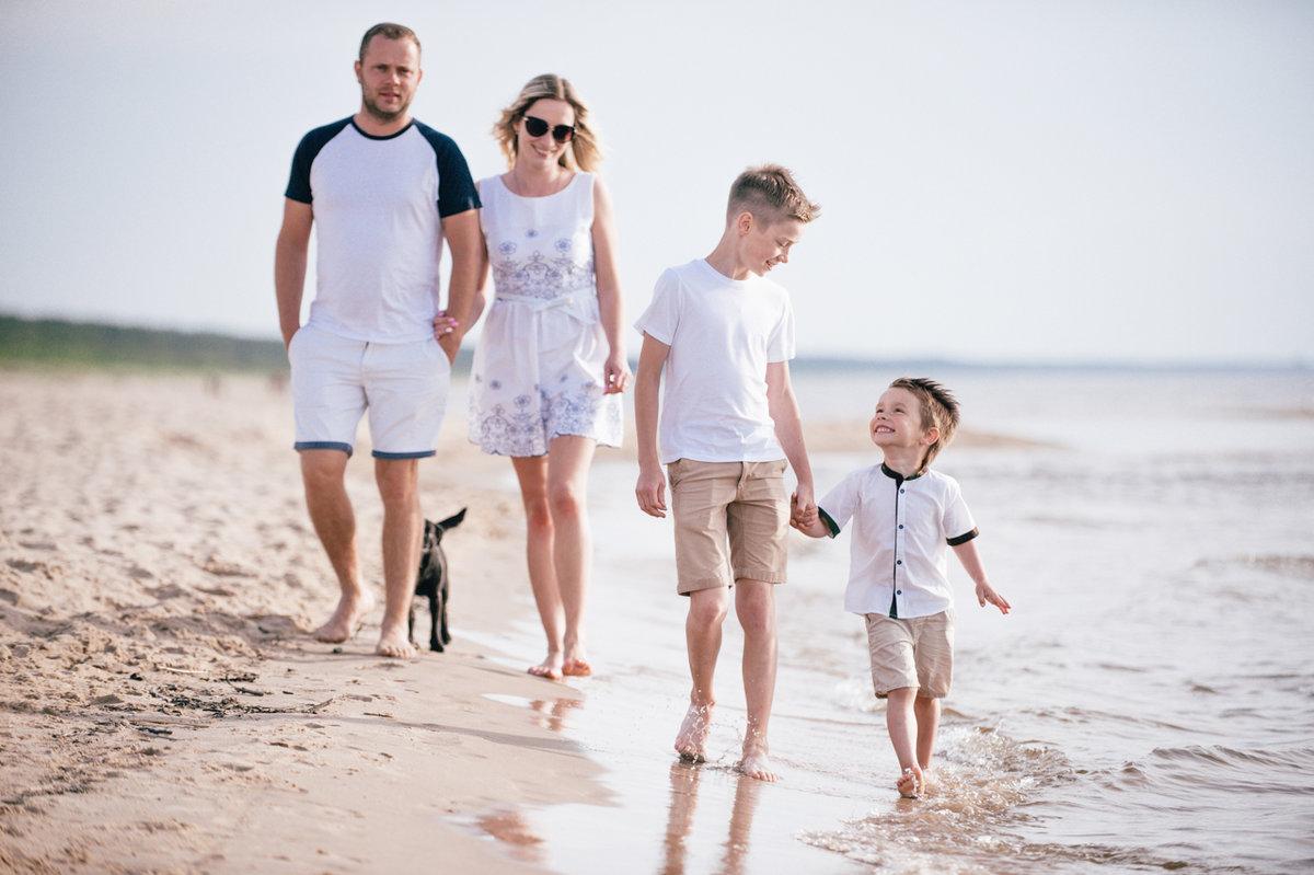 Картинки море семья