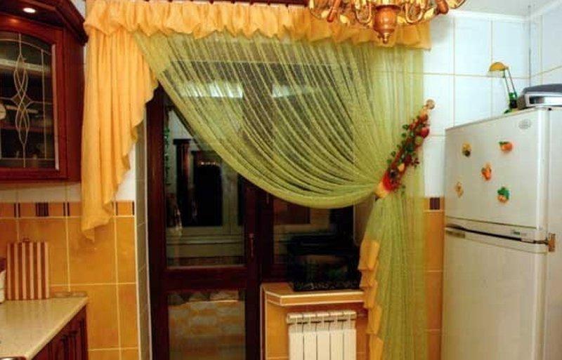 шторы на кухню окно с дверью фото возможных способов