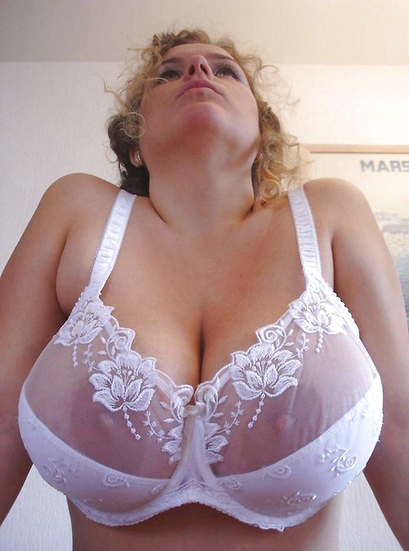 Бюстгальтеры больших порно фото 14