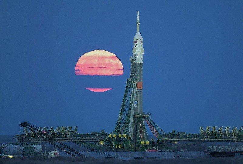 2 июня 1955 года проекты космодрома Байконур и его организационной структуры были утверждены директивой начальника Генерального штаба
