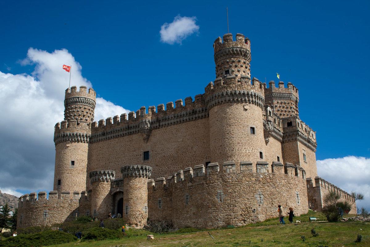 свои фото картинка рыцарского замка в средние века когда витя плачет