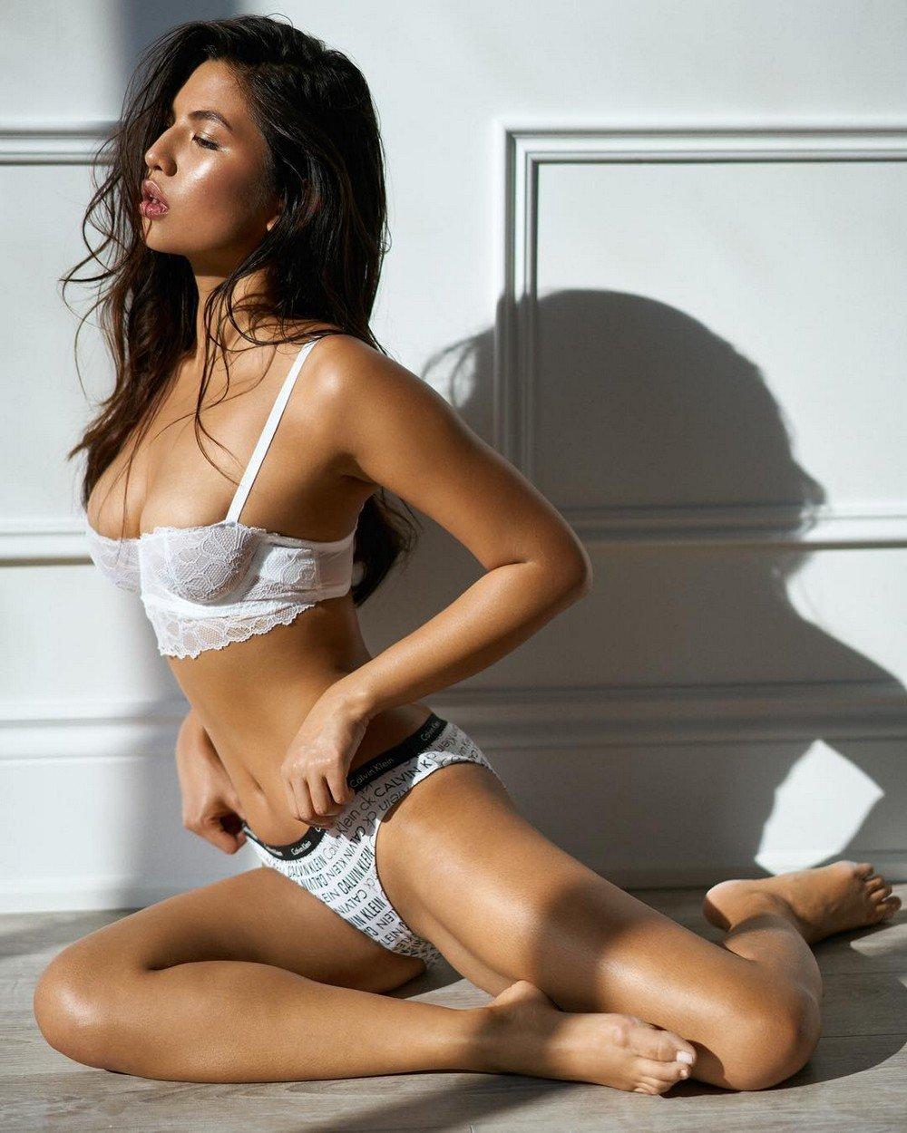 Анал картинки красивых девушек полуголых массаж