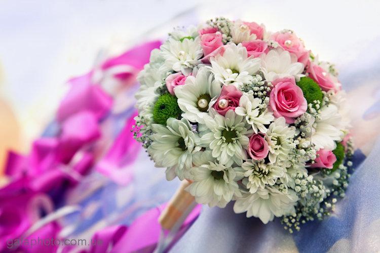 Цветов для, свадебный букет невесты из кустовых роз и хризантем