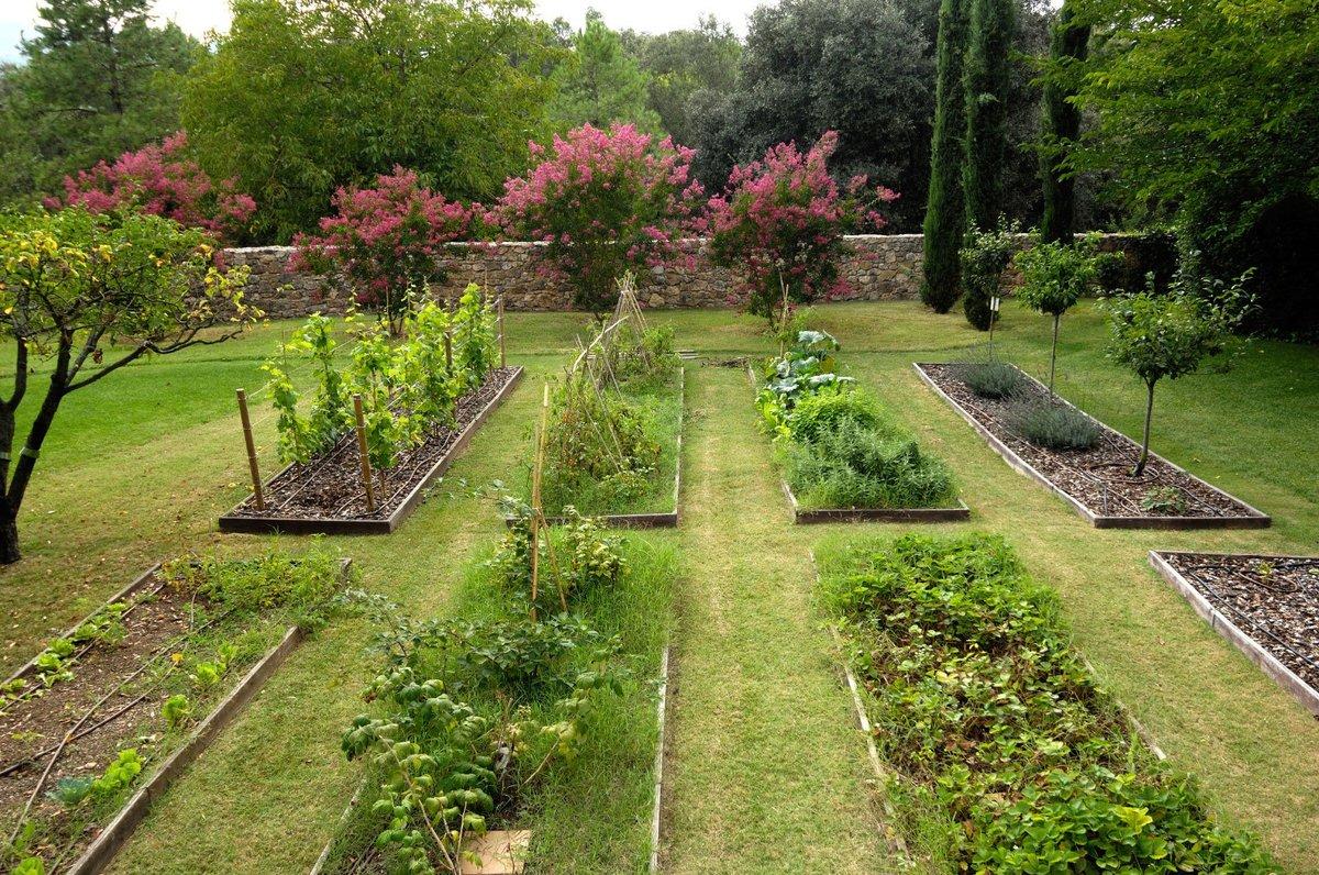 составляющей как распланировать огород и сад фото считаются азиатским