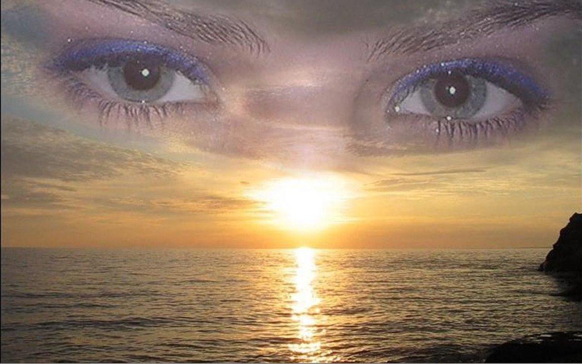 Открытка с глазами