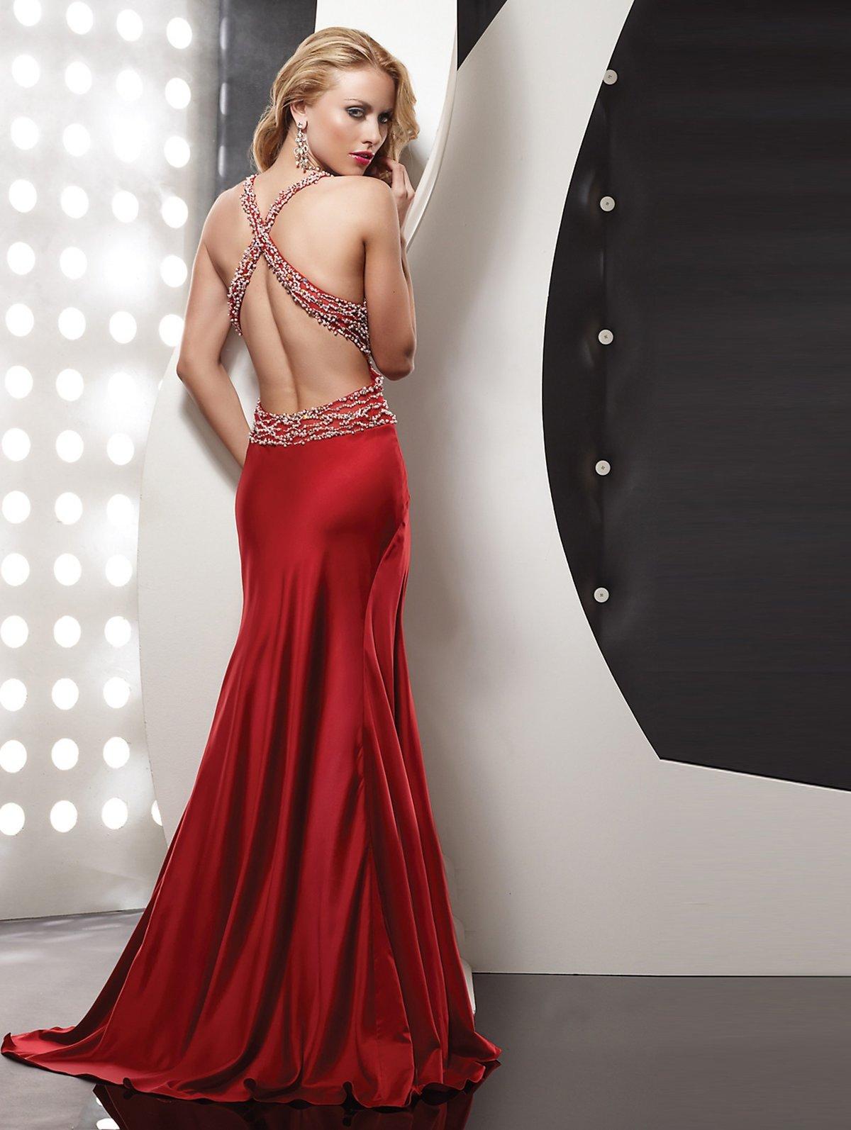 елены занялся фото вечернего платья с открытой спиной специалист