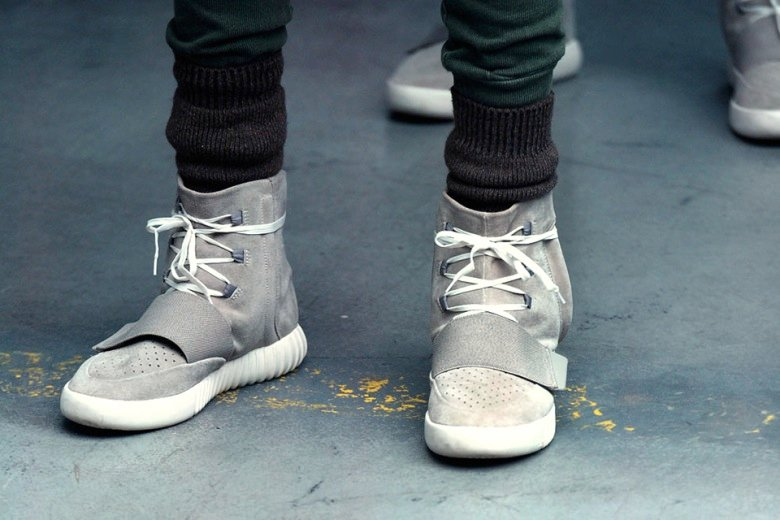 Кроссовки Adidas Yeezy Boost. Кроссовки adidas yeezy boost мужские купить  Купить со скидкой -50 02311d46382