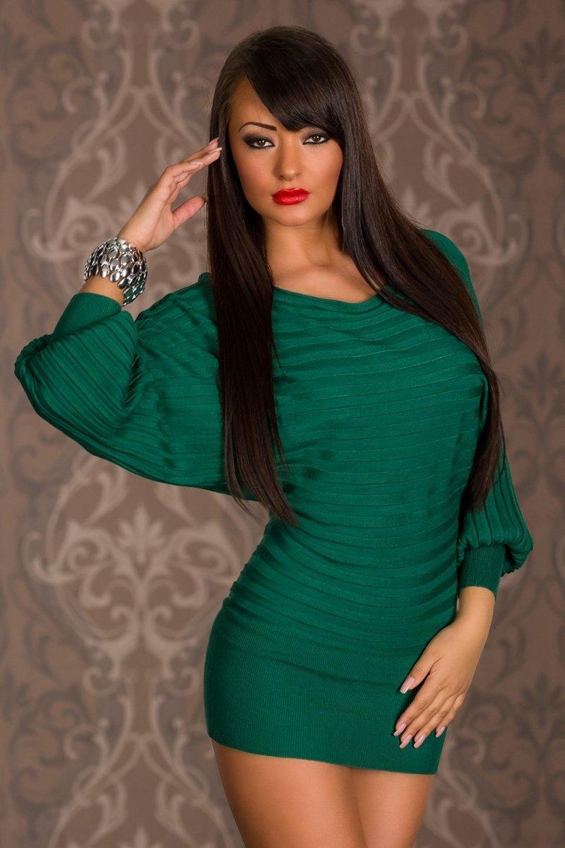 Красивые брюнетки в зеленых платьях коротких фотки