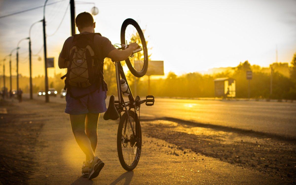 Днем рождения, картинки мужчина на велосипеде
