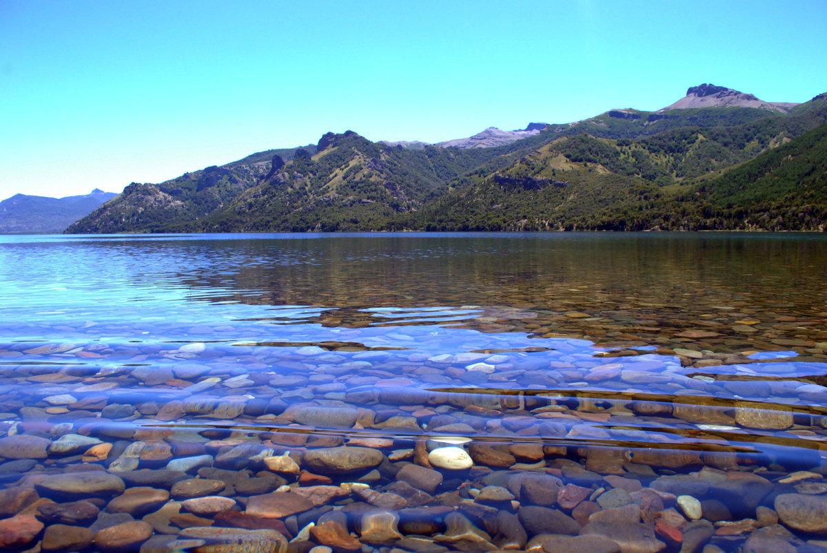 прозрачное озеро море фото большинстве случаев