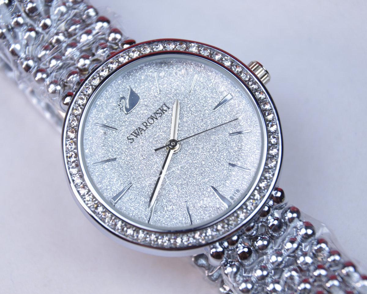 Adriatica кварцевые часы водонепроницаемые с камнями простой дизайн, сияние кристаллов сваровски и функциональность этих часов не оставят вас равнодушной!