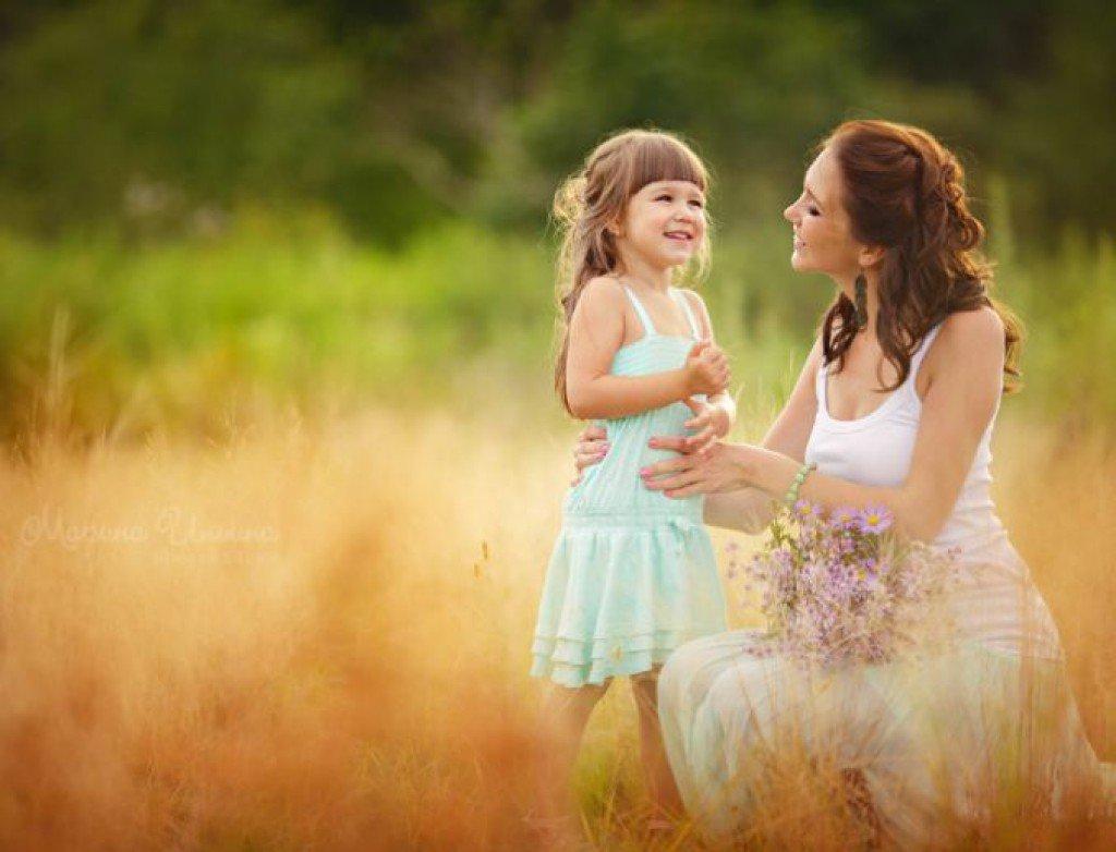 Мама с дочками картинки, для детских открыток