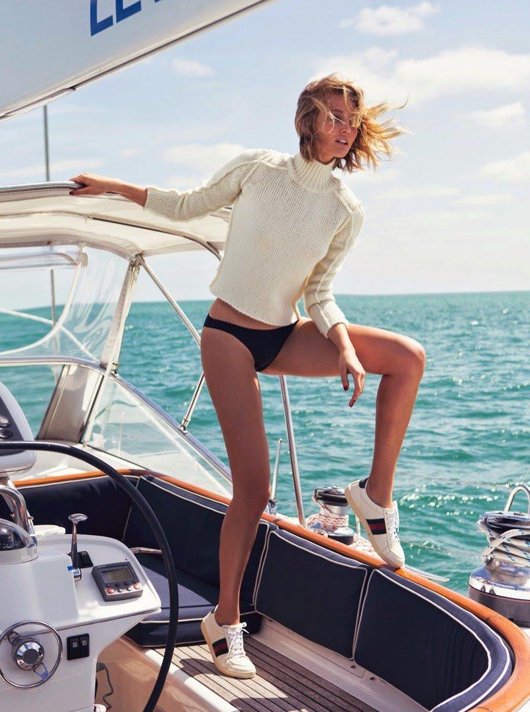 стильные фотосессии на яхте идет через