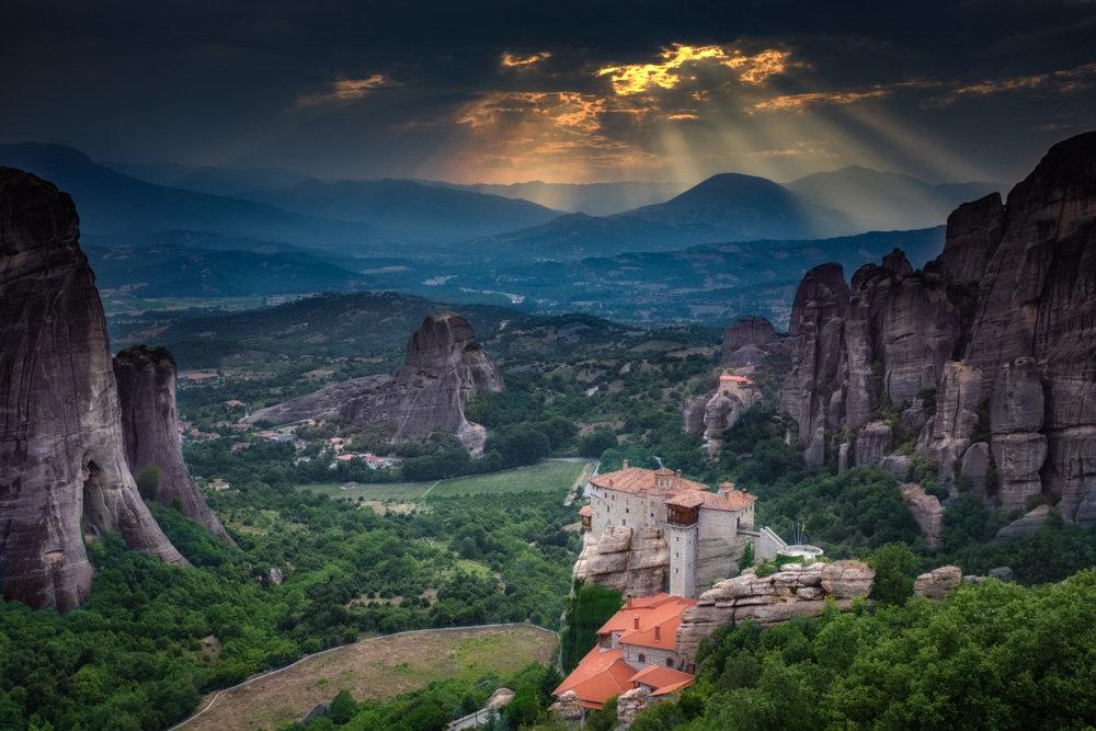 парящие монастыри метеоры в греции фото фараона, повелителя великой