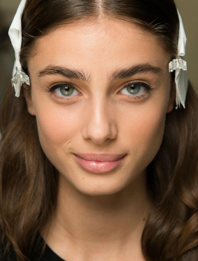 глазки макияж круглых глаз картинки помогает восполнить