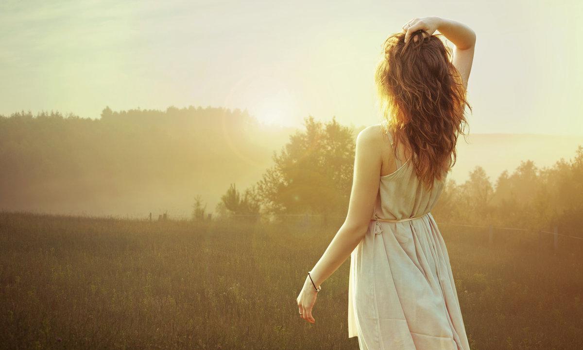 Картинки с изображением женщины со спины
