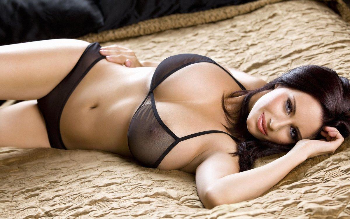 video-seksualnih-figur-porno-mamochki-glotayut