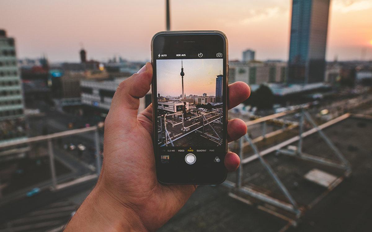 телефон фотографирует а фото черное интернете фото