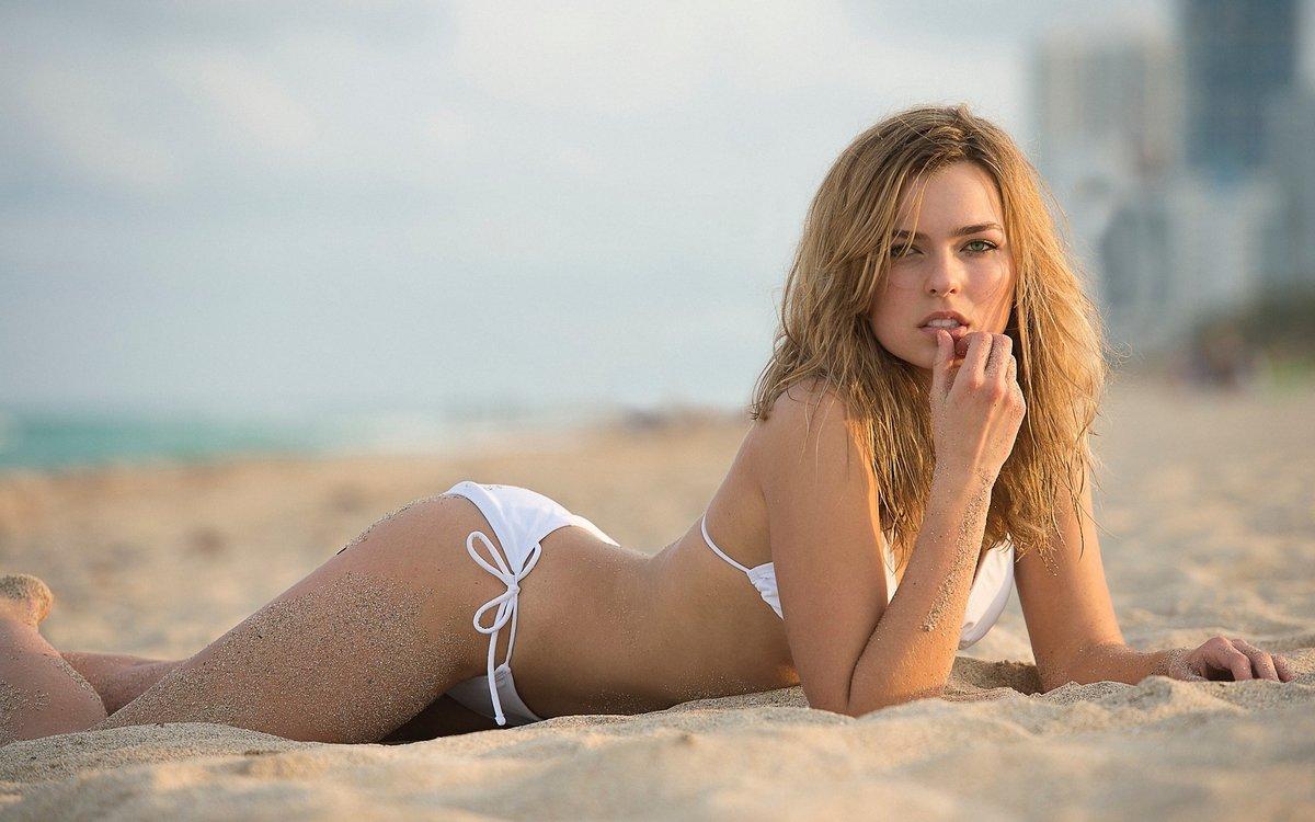 russian-beach-girls