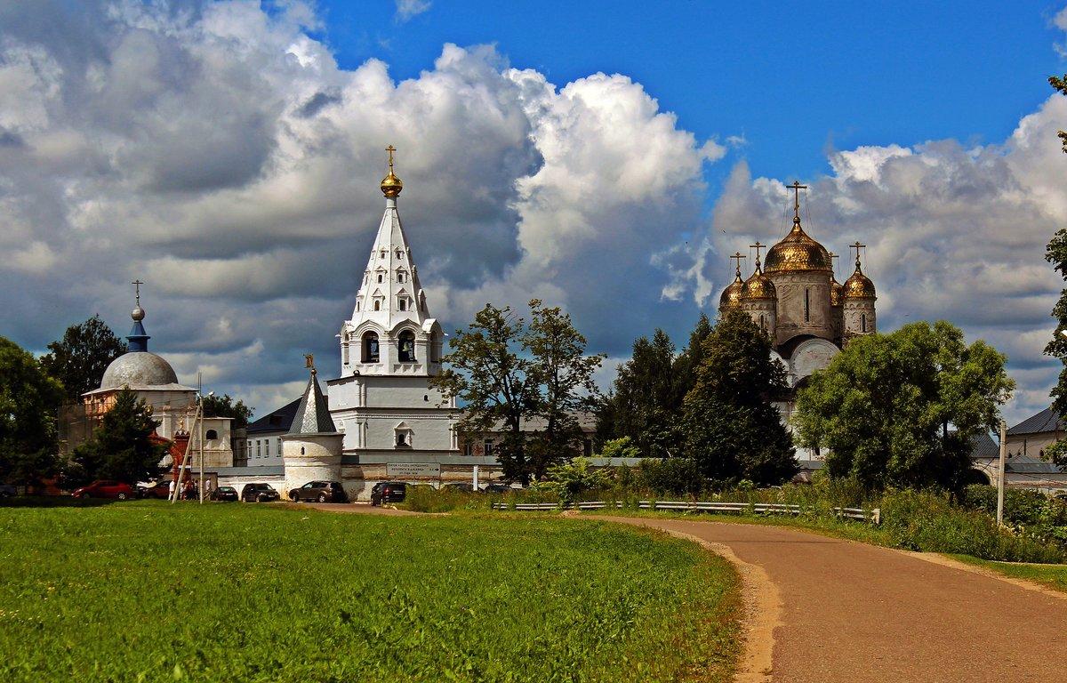 лужецкий монастырь картинки люди стали